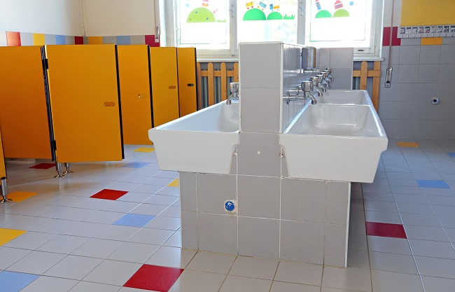 6 Tips for Keeping School Bathrooms Clean